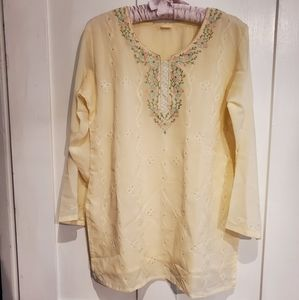 NWOT Cream 3/4 Length Embroidered Top